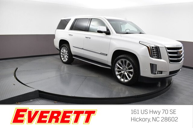 Certified Pre-Owned 2017 Cadillac Escalade Luxury 4x4