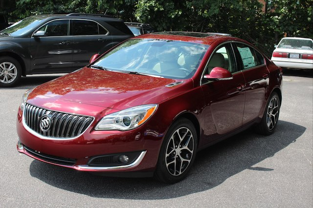 folding seats sportback luxury mid sport access exterior sedan regal size rear ca with canada buick